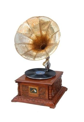 Desi Karigar Vintage Gramophone in Rosewood