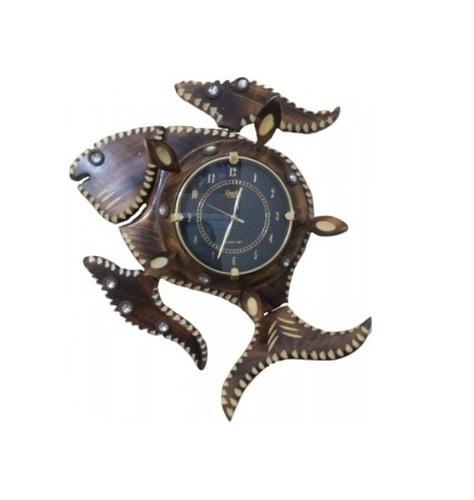 Desi Karigar Fish Shape Analog Wall Clock