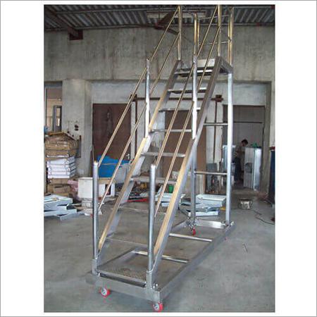 Movable Ladder
