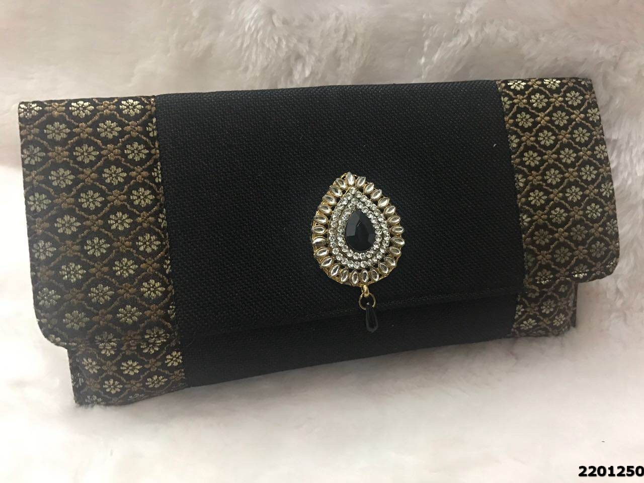 Pretty & Simple Clutch Bag