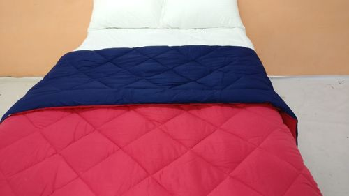 Reversible comforter Bedding set
