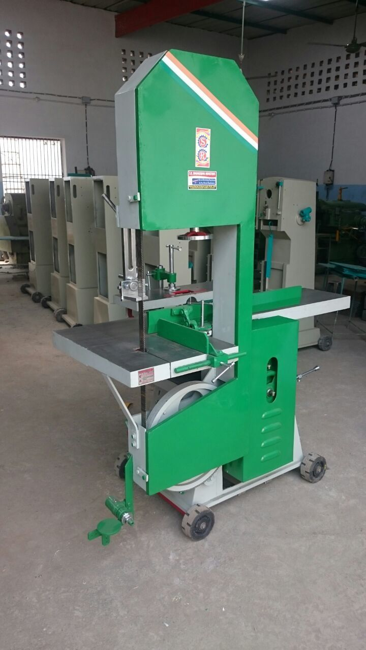Thickness planner with Bandsaw Machinery
