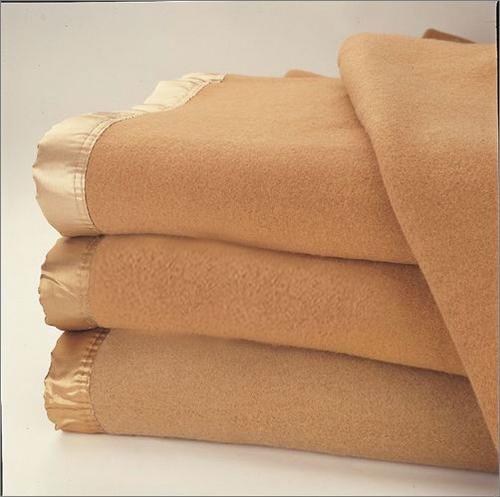 Cozy Wool Hotel Quality Blanket