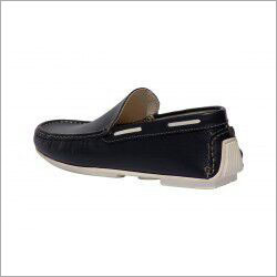Mens Cut Shoe