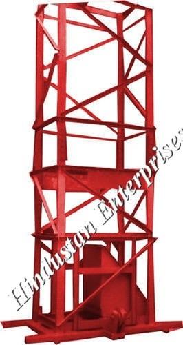Builder 4 Leg Tower Hoist Machine