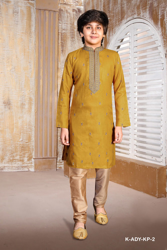 Casual men's kurta pyjama set