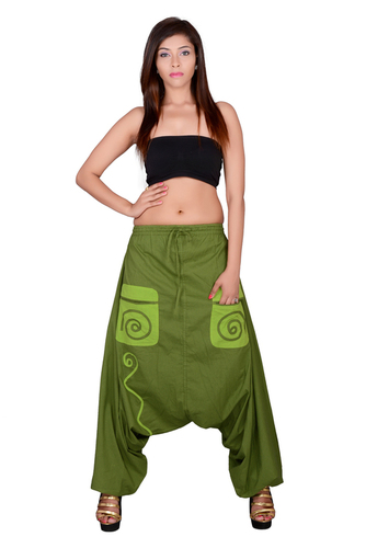 Cotton Solid Mehndi Green Pockets Beggi Trouser