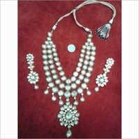 Green Takkar Triple Line Necklace