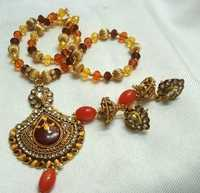 Beads And Crystal Necklace Set