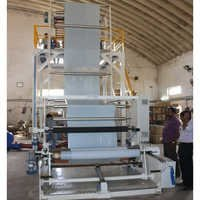 Three layer blow machine