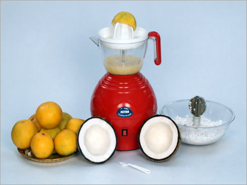 Coconut Scrapper With Citrus Juicer