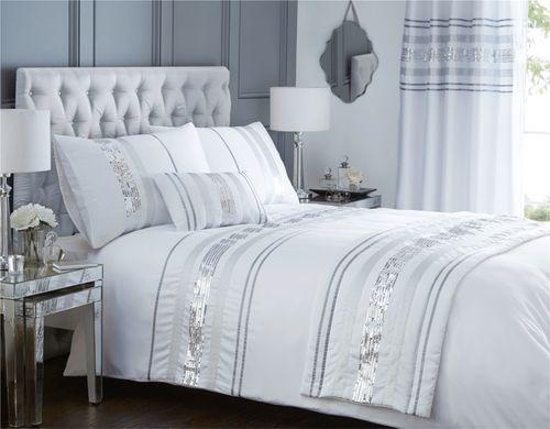 Hotel bed runner