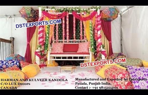 Punjabi Mehandi Stage Decoration With Jhula
