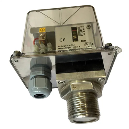 Pressure Switch with Flush Diaphragm