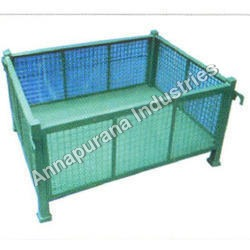 Metal Pallet with Wire Net Box