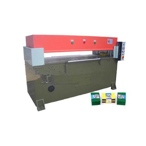 Scouring pad machine