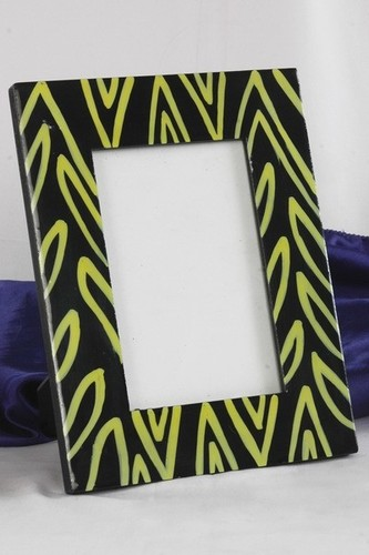 WOODEN BLACK GREEN PICTURE FRAME