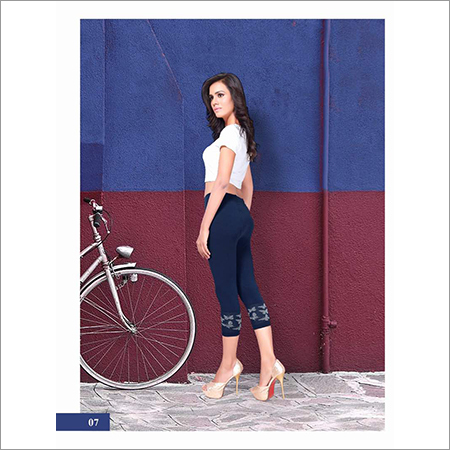 Ladies Navy Blue Capri