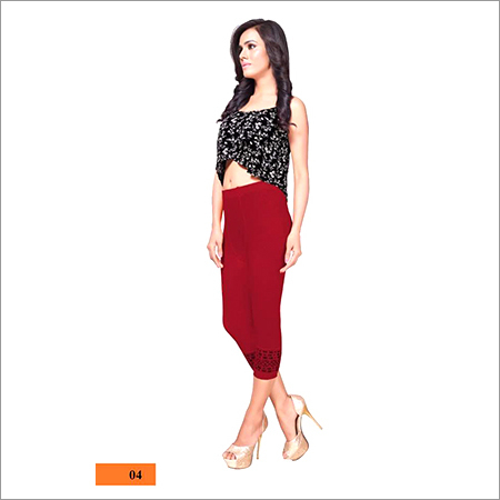 Ladies Casual Wear Red Capri
