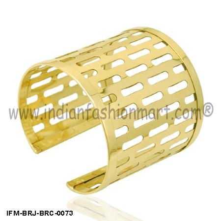 Quintastic Belle - Brass cuff