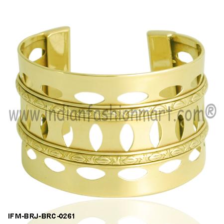 Insouciant  Beauty - Wrist Cuff