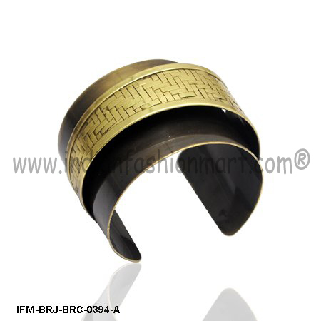 Gorgeous at Shivoo- Brass Cuff