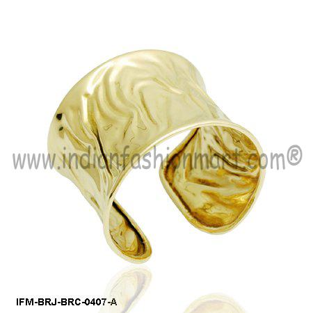 Mansuetude Jaggy - Brass Cuff