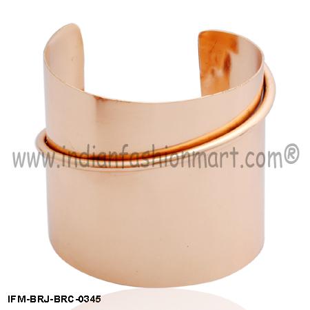 Rosy  Fusion - Brass Cuff