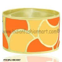 Sun Kissed Flair - Brass Bangle
