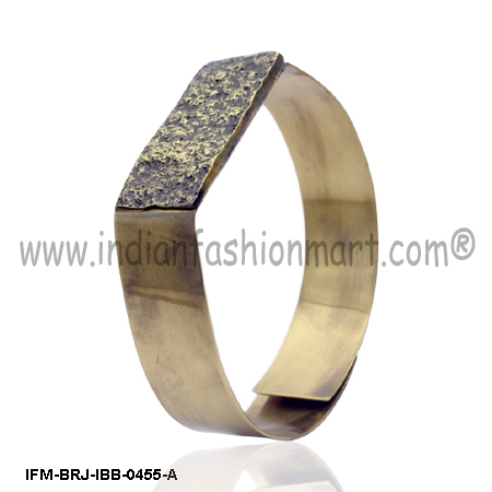 Eudemonia Agrestic   - Brass Bangle