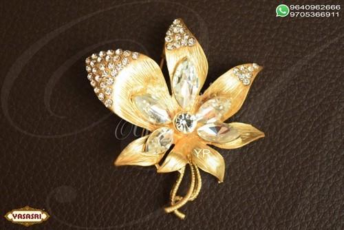 Women trendy saree pin
