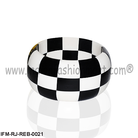 Universal Checkmate  - Resin Bangle
