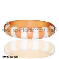 Blissful Smile-Resin Bangle