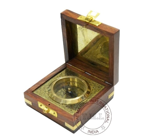 Boxed Flat Compass