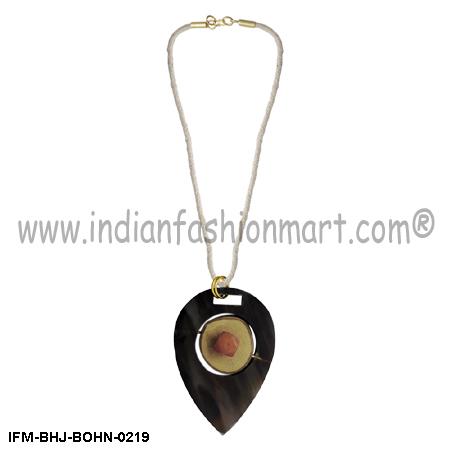 Falbala Simplicity - Horn Pendant Necklace