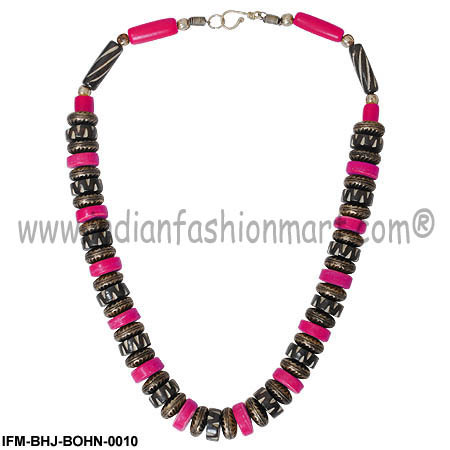 Charming  Gracia -Bone  Necklace