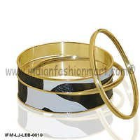 Grand Bovine  - Leather Bangle Set