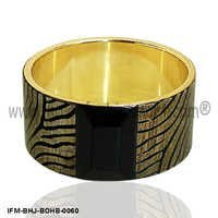Beguiling Sable - Horn Bangle