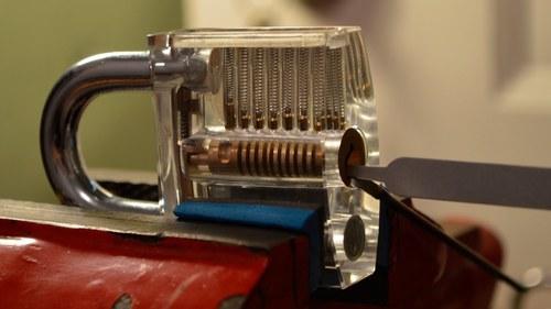 Clip Lock Bar