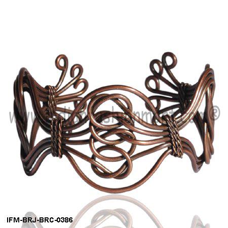 Dogma of Eight - Brass Wire Cuff