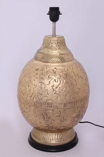 BEDSIDE GLOBE ENGRAVED TABLE LAMP