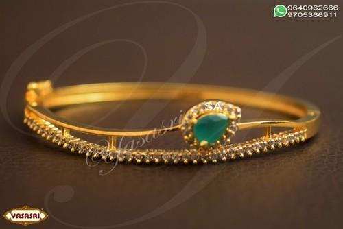 Women trendy bracelet