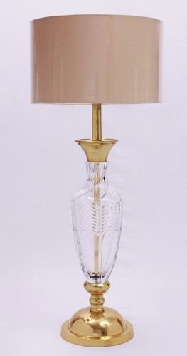 METAL DESIGNER BRASS ANTIQUE TABLE LAMP