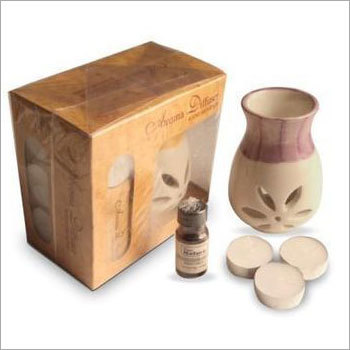 Gift Set With 3 Tealights & Aroma Oil
