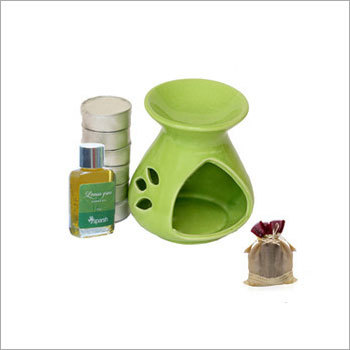 Gift Set With 4 Tealights & Aroma Oil
