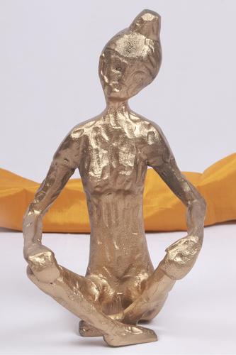 METAL BUDDHA HAMMERED STATUE