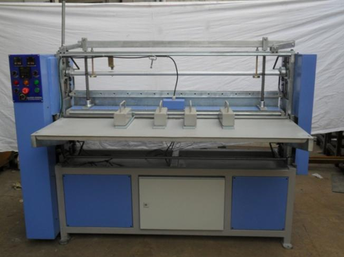 KNIFE PLEATING MACHINE 1500 MM WIDTH