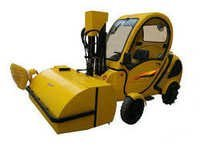Ride on street sweeper