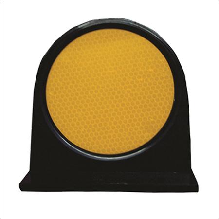 Road Median Marker