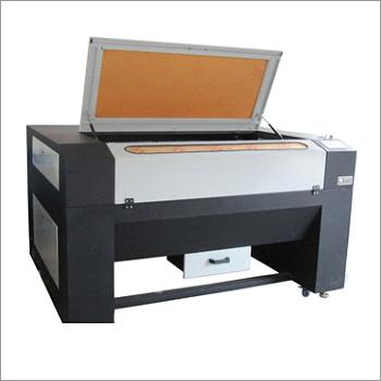 Laser Cutting Machine With Synrad Metal Laser